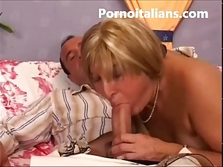 Il pompino della signora matura italiana - The blowjob lady mature Italian -