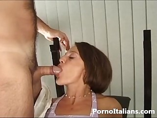 Pompini in palestra italiana - blowjob italian - bocchini all' italiana