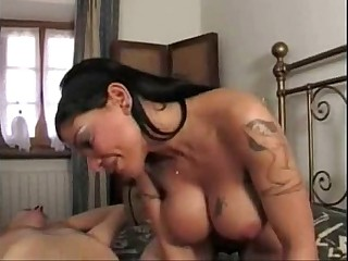 Isabella Di Capua Fucks Like A Pro For The First Time